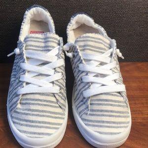 033c68ac2ed5e Shoes - NEW!💥Pop Highbar Women s Sneakers Lace-up